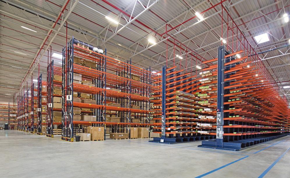 Mecalux ha fornito le scaffalature portapallet e cantilever per i prodotti voluminosi e molto pesanti