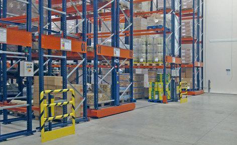 Raddoppiare la capacità di stoccaggio e ridurre i costi con scaffalature su basi mobili