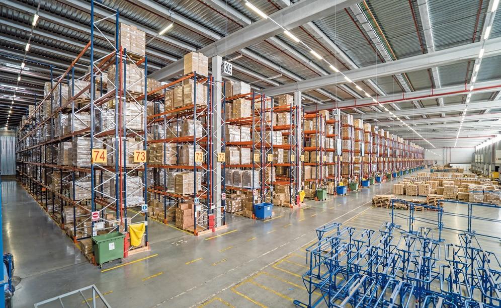 Il magazzino DHL è in grado di stoccare più di 90.000 pallet