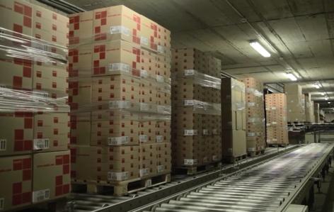 Flussi continui di merci con trasportatori di pallet