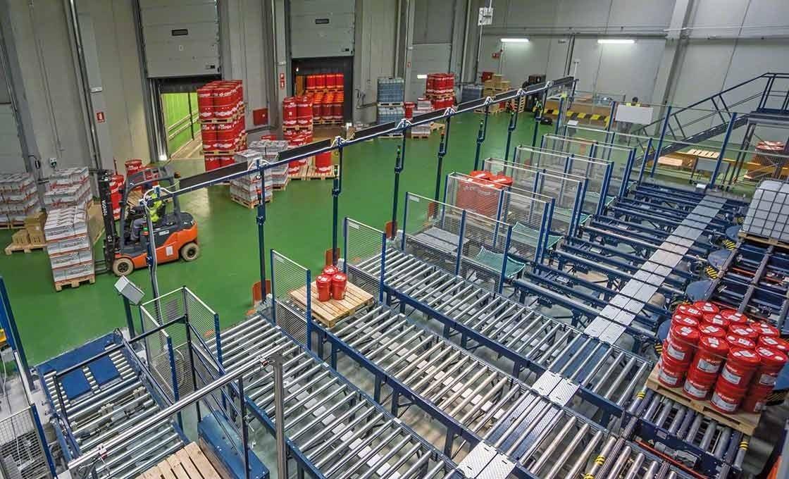 I sistemi automatici agevolano le procedure di carico e scarico delle merci, un aspetto fondamentale del just in time
