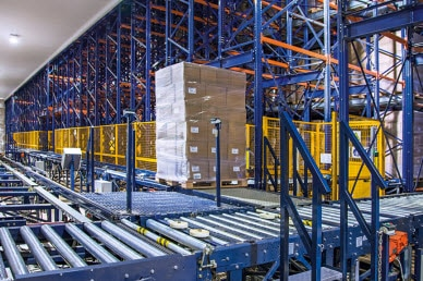 Pallet Shuttle automatico: la sintesi di tutti i vantaggi dello stoccaggio intensivo e dell'automazione