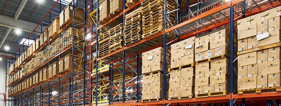 Everial: gestione efficiente di oltre 360.000 contenitori nel centro documentale di Lione