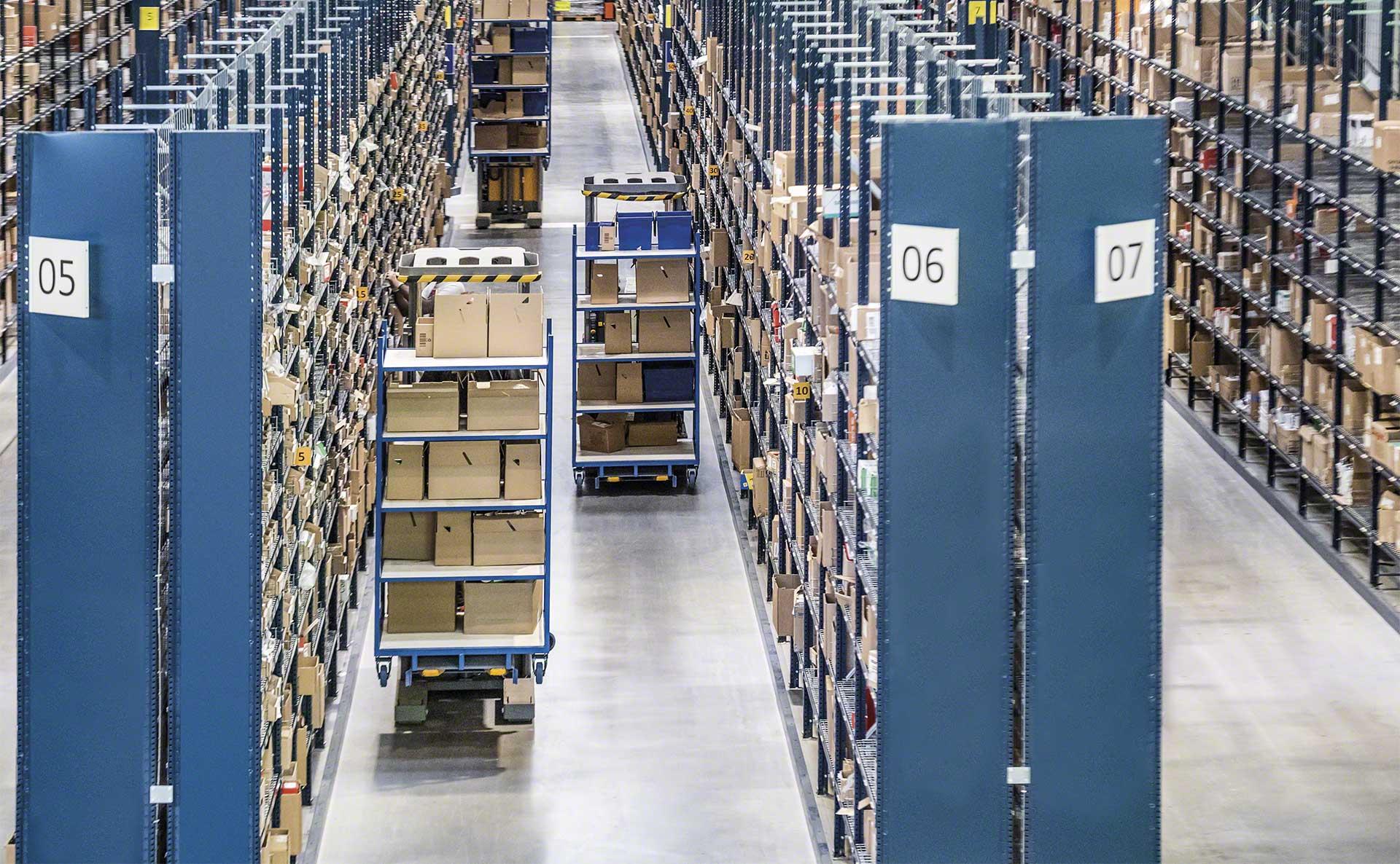 Robot mobili in magazzino: applicazioni e usi