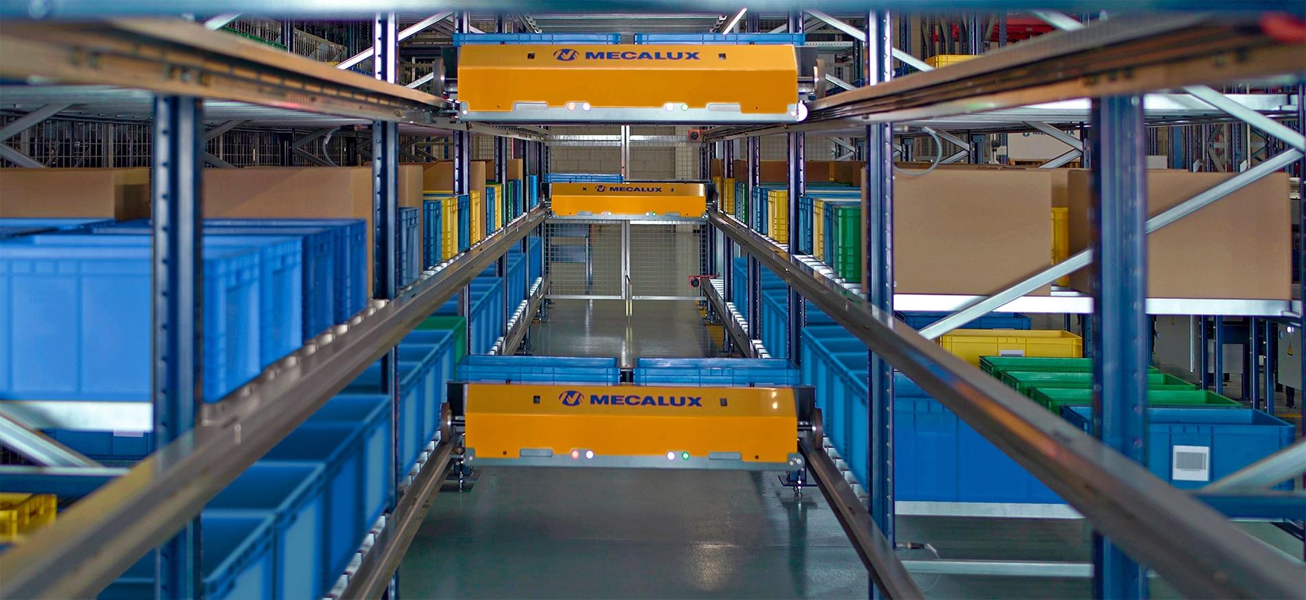 Sistema a navetta per contenitori